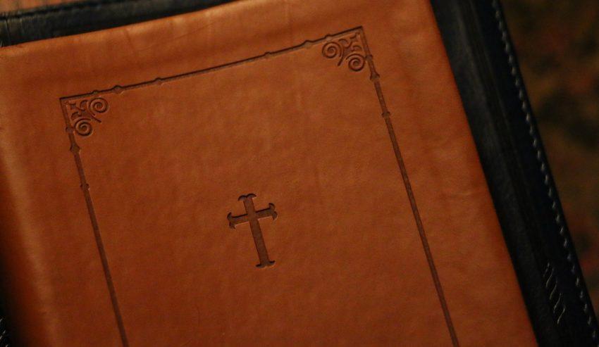 libro-di-preghiere-850x4931